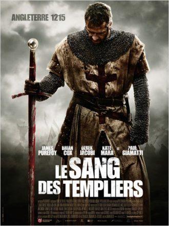 Affiche du film Le Sang des Templiers sur laquelle le templier incarné par James Purefoy est face à l'objectif, plante son épée et regarde le sol, épuisé par la bataille.