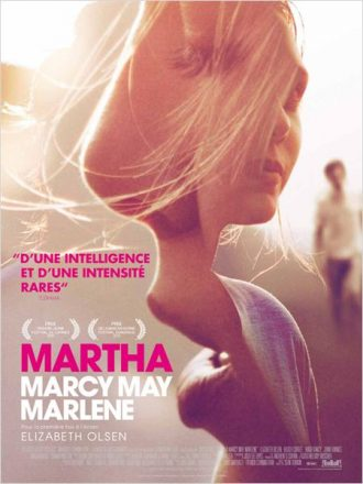 Affiche de Martha Marcy May Marlene sur laquelle nous découvrons le visage d'Elizabeth Olsen sur un montage aérien.