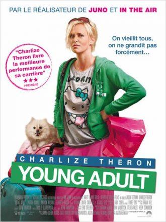 Affiche de Young Adult de Jason Reitman sur laquelle Charlize Theron est face à l'objectif en jogging et avec des bagages et paraît exaspérée.