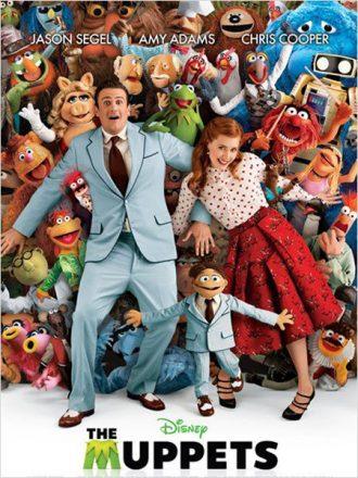 Affiche de Les Muppets : Le retour sur laquelle Jason Segel et Amy Adams sont allongés au milieu des Muppets et sourient à l'objectif.