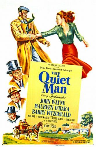 Affiche dessinée de L'homme tranquille de John Ford sur laquelle John Wayne tente de retenir Maureen O'Hara. Nous voyons également les personnages secondaires ainsi que le village.