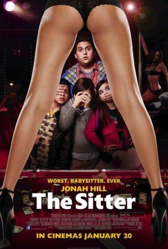 Affiche de The Sitter sur laquelle Jonah Hill est dans un club de striptease avec trois enfants.