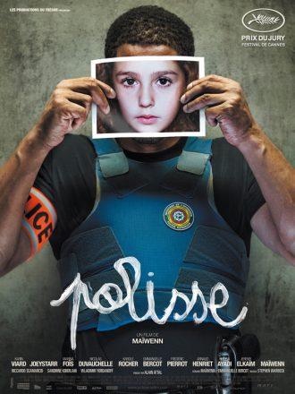 Affiche du film Polisse de Maïwenn sur laquelle Joeystarr est face à l'objectif et tient la photo du visage d'un enfant afin de masquer le sien.