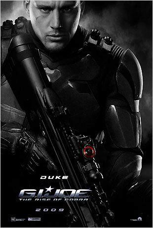 Affiche personnage de Duke prêt au combat et interprété par Channing Tatum pour le film G.I. Joe : Le réveil du Cobra de Stephen Sommers.