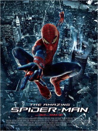 Affiche du film The Amazing Spider-Man sur laquelle le héros est face à l'objectif au dessus de New York, prêt à envoyer sa toile.