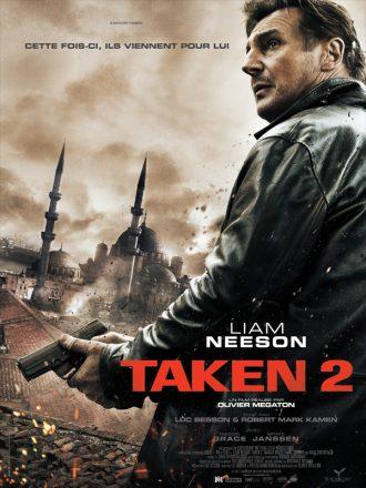 Affiche du film Taken 2 réalisé par Olivier Megaton sur laquelle Liam Neeson pris en contre-plongée sur un toit d'Istanbul.