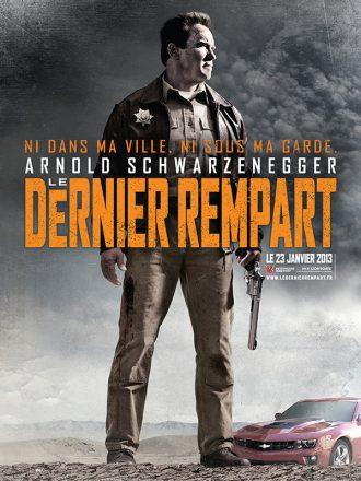 Affiche du film Le Dernier Rempart avec Arnold Schwarzenegger. L'acteur est debout sur l'affiche dans le désert, prêt à affronter ses ennemis une arme à la main.