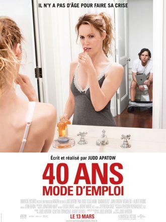 Affiche du film 40 ans mode d'emploi de Judd Apatow sur laquelle Leslie Mann se brosse les dents pendant que Paul Rudd est sur les toilettes avec un iPad.