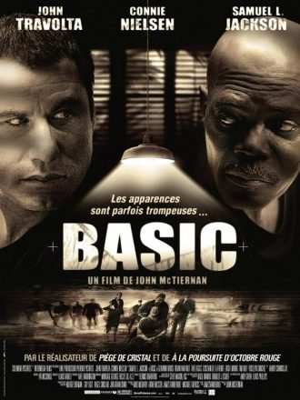 Affiche du film Basic de John McTiernan sur laquelle nous voyons John Travolta et Samuel L. Jackson face à face ainsi que des soldats américains dans la partie basse de l'affiche.