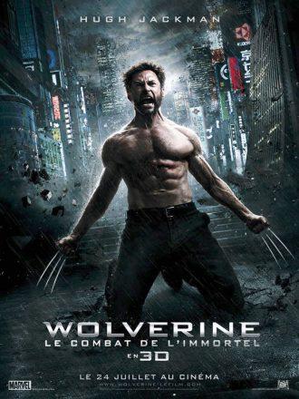 Affiche du film Wolverine : Le combat de l'immortel. Dans Tokyo, Wolverine est à genoux, les griffes sorties et hurle.