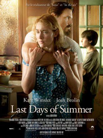 Affiche de Last Days of Summer de Jason Reitman. Josh Brolin semble retenir en otage Kate Winslet et son fils mais l'actrice s'accroche à son bras.