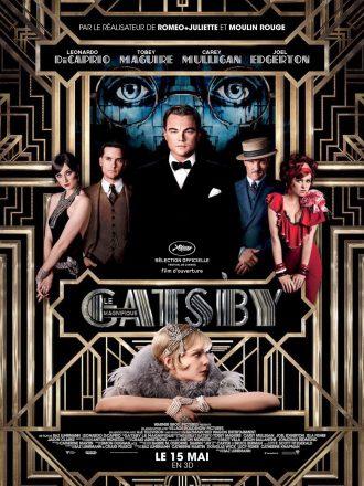 Affiche de Gatsby le Magnifique de Baz Luhrmann sur laquelle nous voyons les personnages principaux au milieu de motifs clinquants.