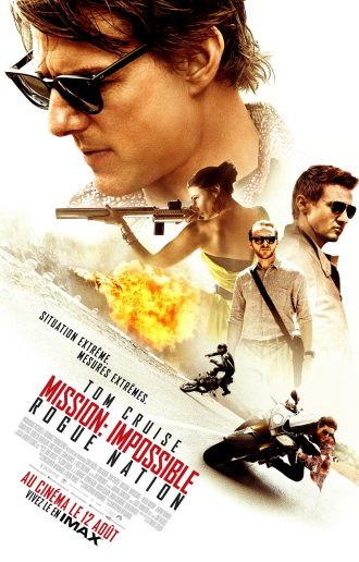 Affiche du film Mission: Impossible - Rogue Nation. Le visage de Tom Cruise surplombe le reste de l'affiche composé des autres personnages principaux et d'une scène d'action qui laisse espérer un film spectaculaire.