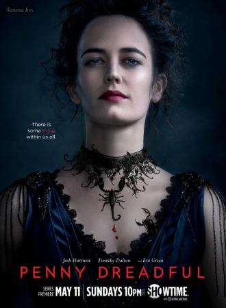 Affiche de la première saison de Penny Dreadful. Nous y voyons Eva Green face à l'objectif sur un portrait qui rappelle immédiatement l'époque victorienne.