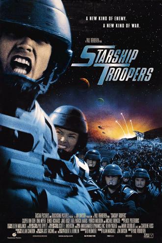 Affiche de Starship Troopers de Paul Verhoeven sur laquelle de nombreux soldats courent au combat sur une planète en guerre. Au premier plan, Casper Van Dien hurle un ordre.