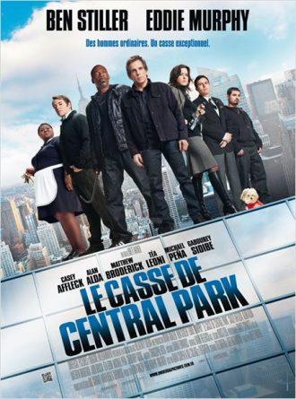 Affiche du Casse de Central Park sur laquelle tous les personnages sont réunis sur le toit d'un immeuble new yorkais.