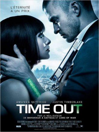 Affiche du film Time Out d'Andrew Niccol sur laquelle Justin Timberlake et Amanda Seyfried s'étreignent alors qu'un compteur sur le bras de Timberlake n'affiche plus que 25 secondes de vie.