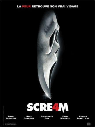 Affiche du film Scream 4 de Wes Craven sur laquelle le masque finit en lame de couteau émergeant dans le noir.
