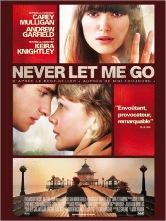Affiche de Never Let Me Go réalisé par Mark Romanek sur laquelle nous découvrons les trois personnages principaux sur trois photos différentes exprimant l'amour et la nostalgie.
