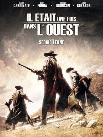 Affiche du film Il était une fois dans l'Ouest de Sergio Leone sur laquelle trois hommes armés de fusil attendent l'arrivée d'un train dans une gare.