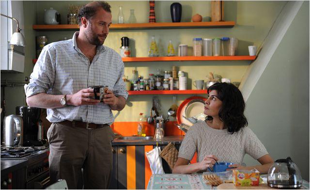 Photo de François Damiens et Audrey Tautou qui prennent un petit déjeuner ensemble dans le film La Délicatesse.
