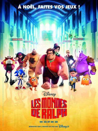 Affiche du film Les Mondes de Ralph sur laquelle les différents héros des jeux vidéos du film avancent vers l'objectif. Ralph est au centre.