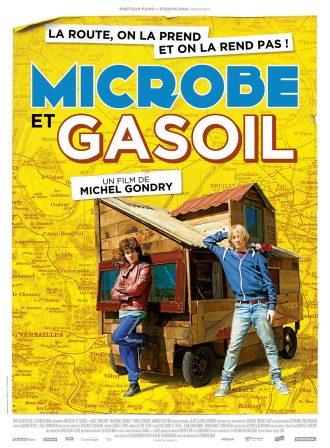 Affiche du film Microbe et Gasoil de Michel Gondry. Nous voyons les deux héros adossés au véhicule qu'ils construisent pour voyager. A l'arrière plan, nous voyons une partie de la carte de France sur un fond jaune.