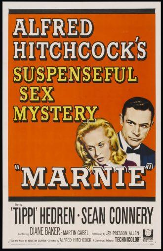 Affiche de Pas de Printemps pour Marnie d'Alfred Hitchcock. De nombreuses écriture sont sur l'affiche mais l'on distingue à droite les visages dessinés de Tippi Hedren et Sean Connery.