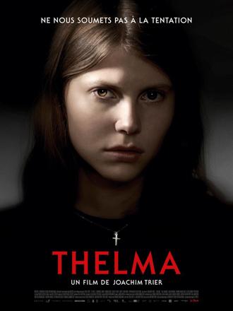 Affiche de Thelma de Joachim Trier, sur laquelle l'héroïne lance un regard particulièrement sombre à l'objectif.