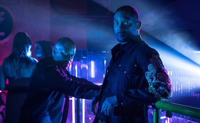 Photo tirée de Bad Boys for Life, sur laquelle Martin Lawrence et Will Smith enquêtent dans une boîte de nuit.